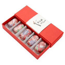 11913 ceramic chopsticks rest set pink yuzen pattern