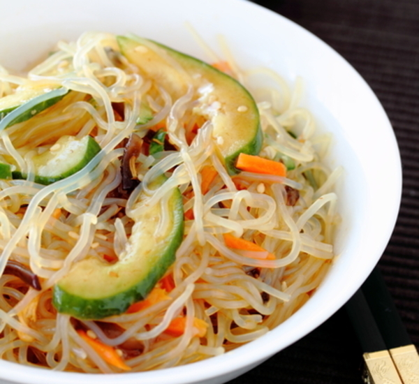 Spicy Shirataki Noodle Salad 295kcal